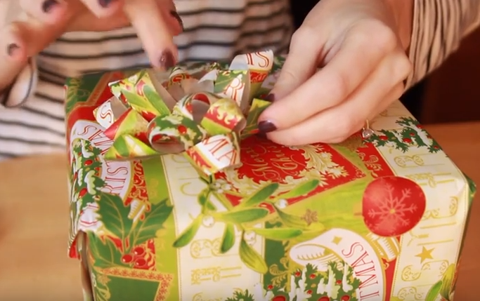holiday-hacks-paper-ribbon