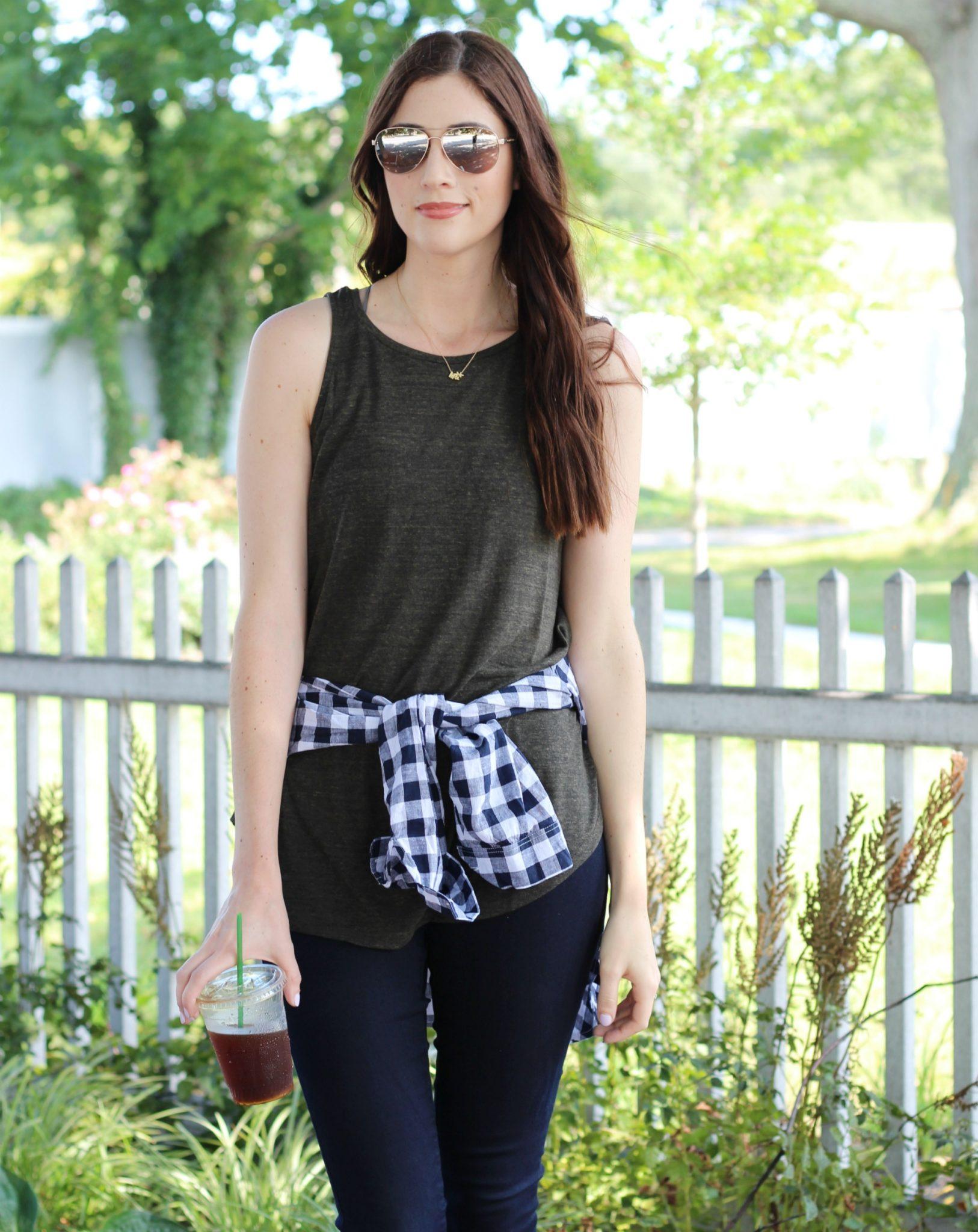 Fall outfit inspiration | plaid shirt around the waist