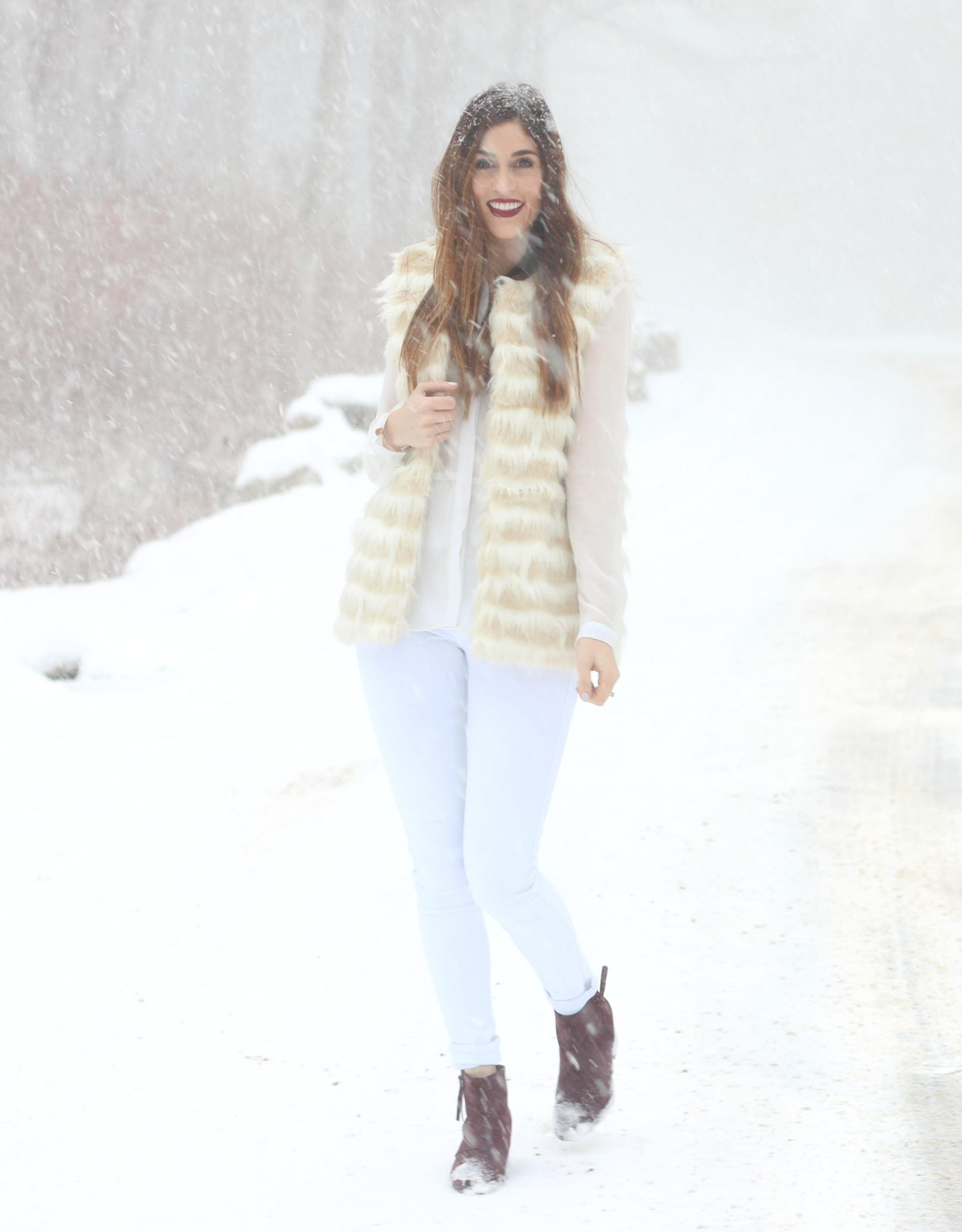 winter-whites-and-fur-vest-outfit