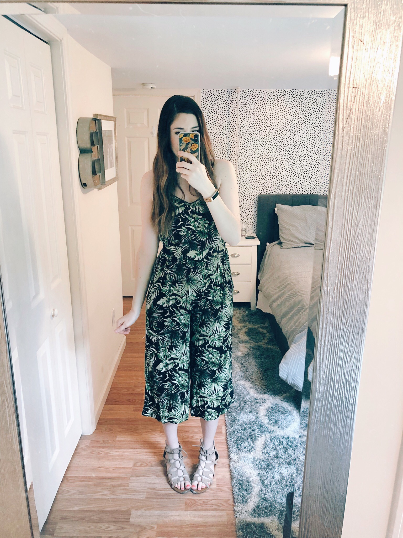 Best Tips for Styling Your Baby Bump For the First Trimester