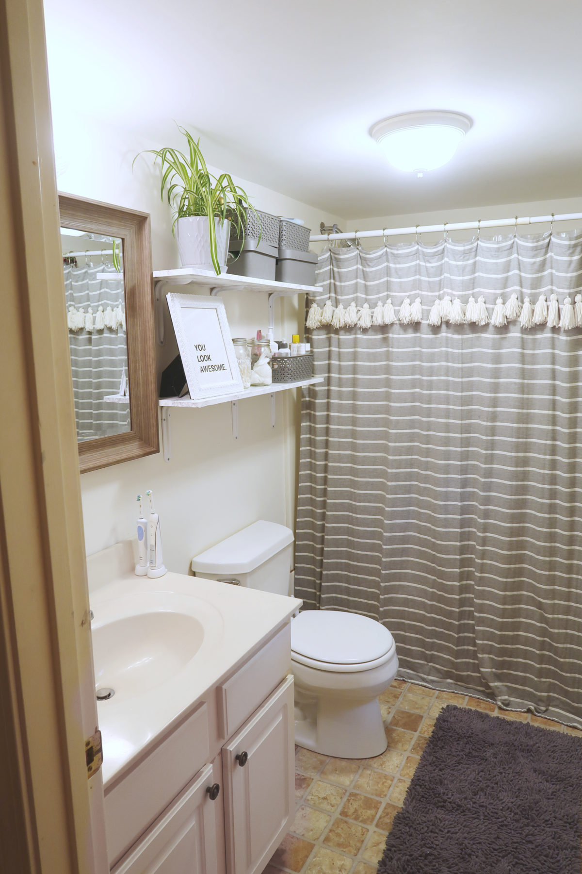 How to Decorate a Rental Bathroom | $65 Bathroom Makeover
